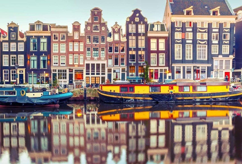 Amsterdam cuts maximum home rental period by 50 %